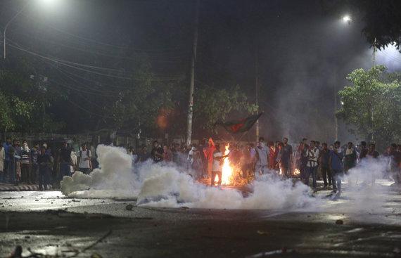 """AFP/""""Scanpix"""" nuotr./Protestai Bangladeše"""