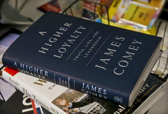 """Scanpix""/AP nuotr./Jameso Comey knyga ""A Higher Loyalty"""