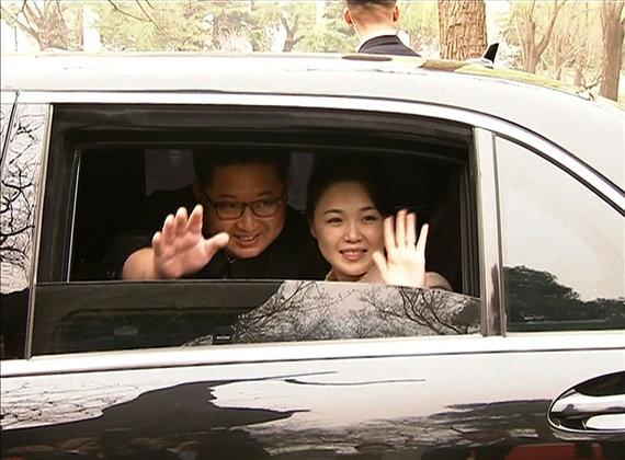 "AFP/""Scanpix"" nuotr./Kim Jong Unas ir jo žmona Ri Sol Ju"
