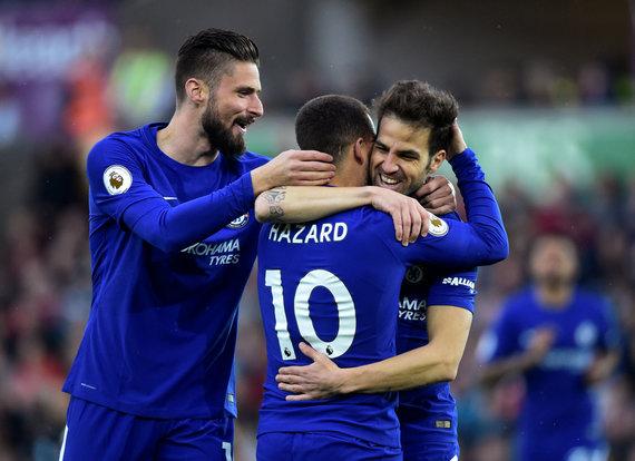 """Reuters""/""Scanpix"" nuotr./""Chelsea"" futbolininkai Oliver Giroud, Edenas Hazardas ir Cescas Fabregasas"