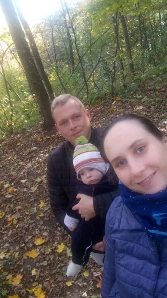 Asmeninio archyvo nuotr./Angelė ir Gytis su sūneliu