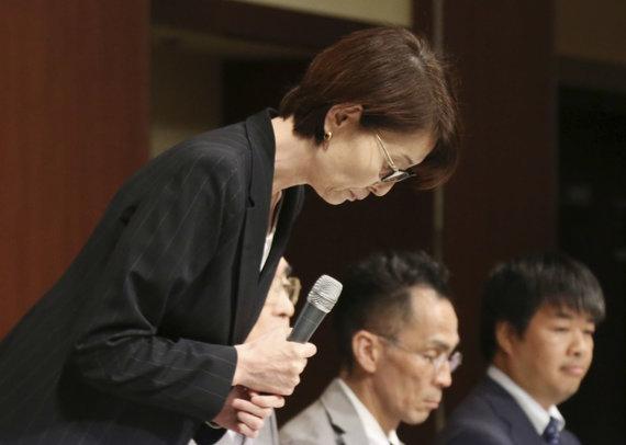 """""""Scanpix""""/AP nuotr./Japonijos krepšinio asociacijos vadovė atsiprašė už žaidėjus."""