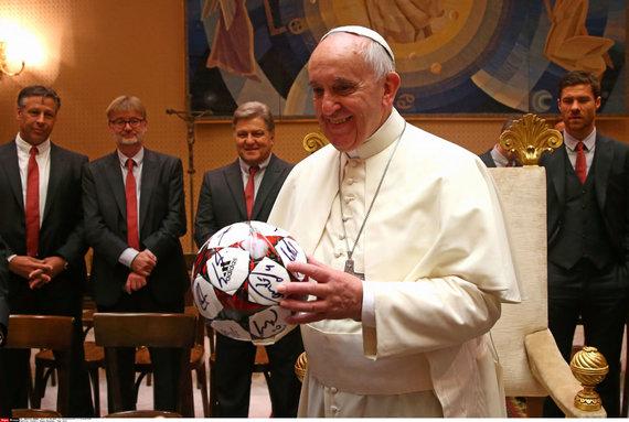 """""""Scanpix"""" nuotr./Popiežius Pranciškus seka rezultatus, bet nežiūri futbolo per televizorių."""