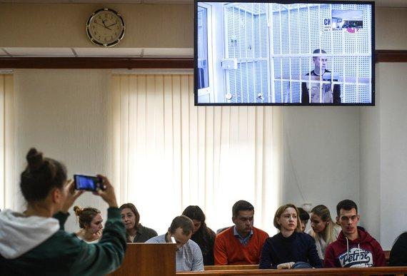 """""""Scanpix"""" nuotr./Aleksandras Kokorinas pasirodė Maskvos teisme."""