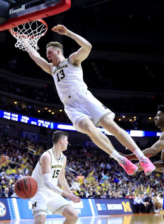"""AFP/""""Scanpix"""" nuotr./Ignas Brazdeikis NCAA atkrintamosiose varžybose."""