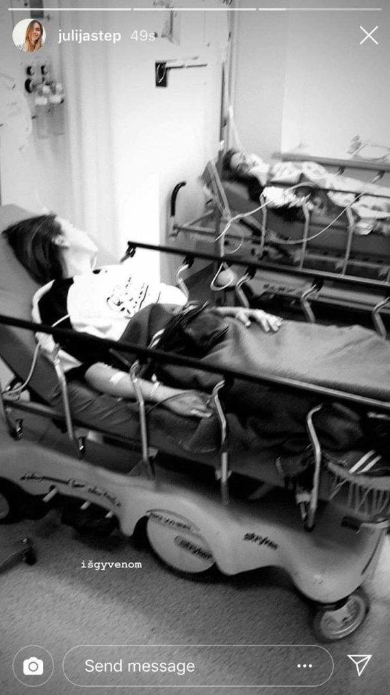 Asmeninio albumo nuotr./Julija Steponavičiūtė ligoninės palatoje