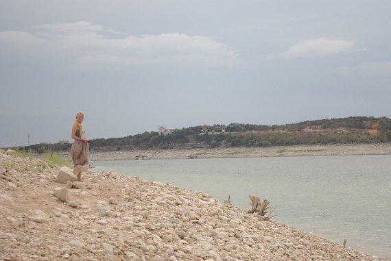 Asmeninio archyvo nuotr./Lindrė Silenas-Pudžiuvelienė Ostine prie Traviso ežero