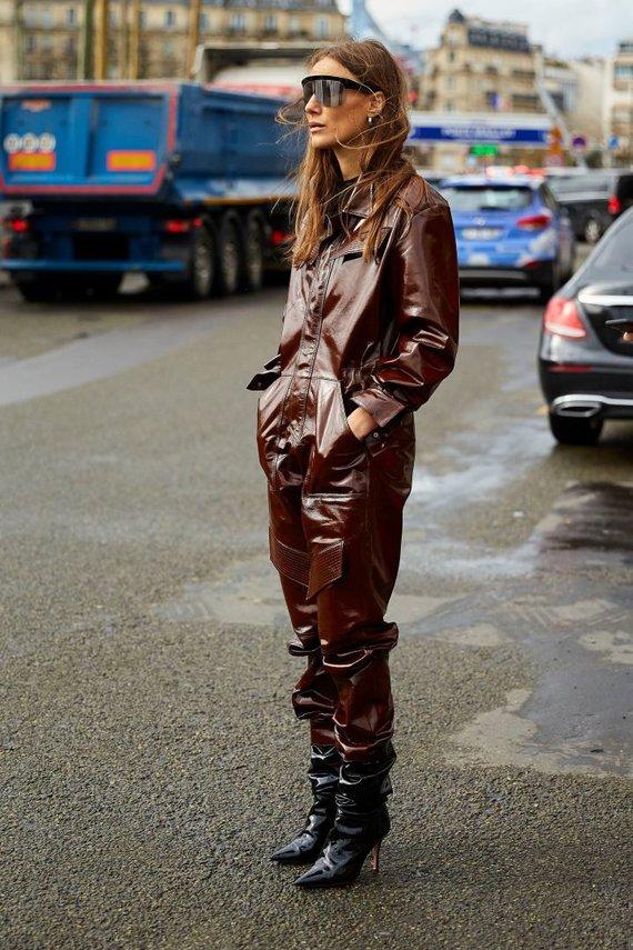 Vida Press nuotr./Gatvės stilius: susmaukti batai