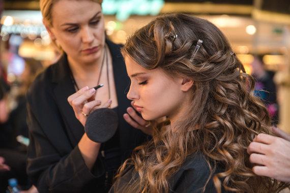 "Dariaus Kučio nuotr./""L`Oréal Professionnel Baltic Bridal Fashion Show"" nuotakos stiliaus performansas"