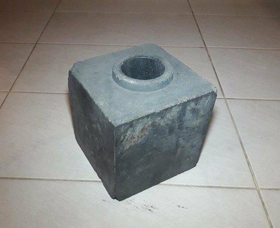 ebay.com/zone_zero nuotr./Grafitinis reaktoriaus blokas parduodamas internete