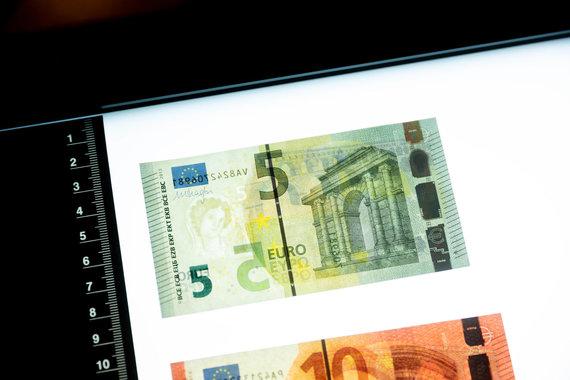 Žygimanto Gedvilos / 15min nuotr./Penkių eurų banknotas