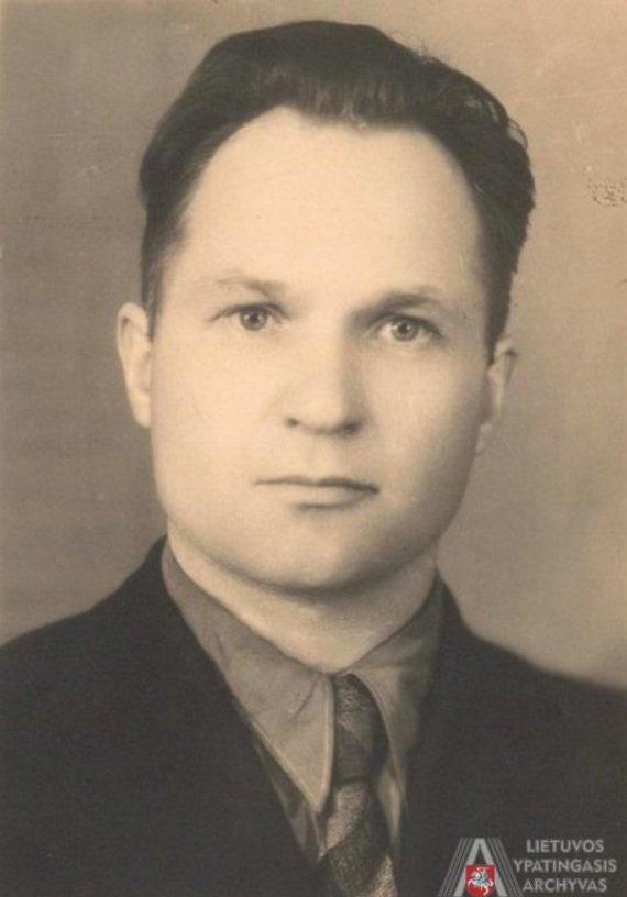 Lietuvos ypatingojo archyvo nuotr./Juozas Bulavas. [1946–1950 m.] Nuotrauka. Lietuvos ypatingasis archyvas, f. 1771, ap. 3, b. 4690, l. 74. J. Bulavas (1909–1995), Vilniaus valstybinio universiteto prorektorius (1940–1941 m.), Lietuvos SSR Mokslų Akademijos narys korespondentas (1953–1995 m.), Teisės instituto direktorius (1946–1952