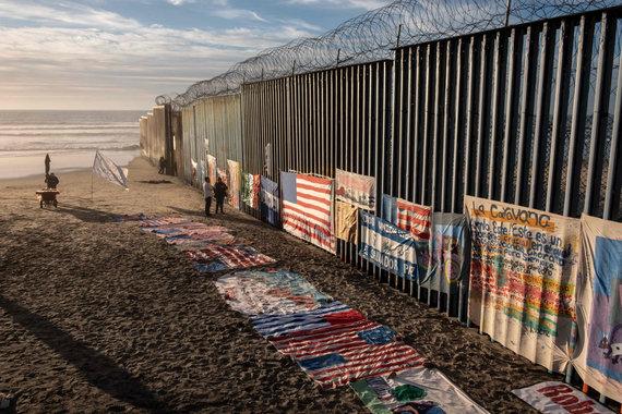 """AFP/""""Scanpix"""" nuotr./JAV ir Meksikos pasienis"""