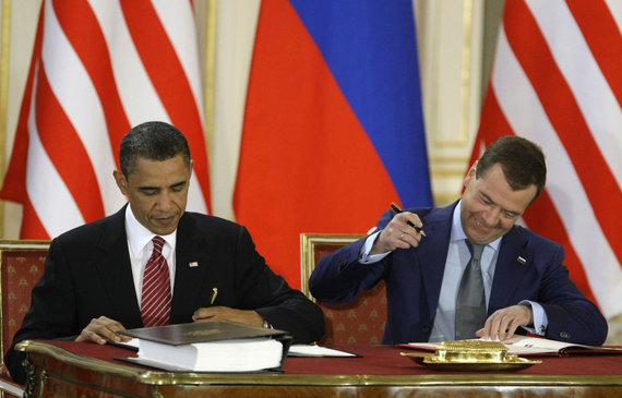 """Scanpix""/AP nuotr./Barackas Obama ir Dmitrijus Medvedevas"