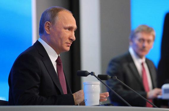 """""""Sputnik"""" nuotr./Vladimiras Putinas ir Dmitrijus Peskovas"""