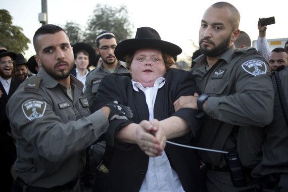 """""""Scanpix""""/AP nuotr./Izraelio ultraortodoksai protestavo prieš privalomąją karinę tarnybą"""