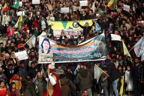 """AFP/""""Scanpix"""" nuotr./Protestas Afrine prieš karinę Turkijos operaciją"""