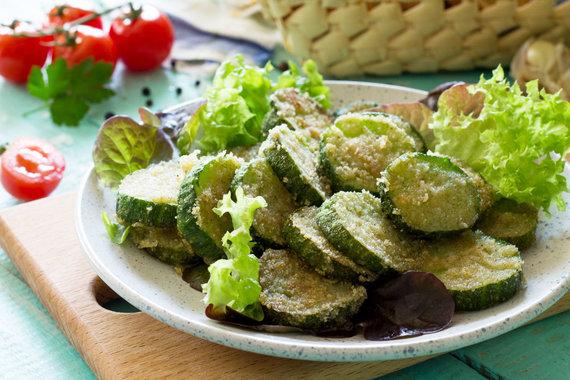 123RF.com nuotr./Cukinijos tempura tešloje