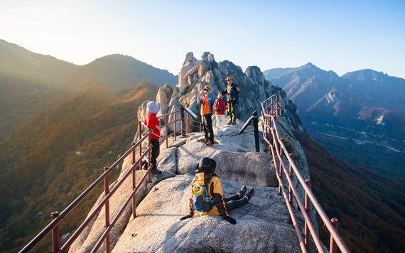"""Kelionių organizatoriaus """"GRŪDA"""" nuotr./Seoraksano kalnų nacionalinis parkas"""