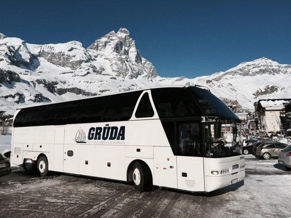 """Kelionių organizatoriaus """"GRŪDA"""" nuotr./Slidinėjimo kelionė, sustojimas prie Materhorno, Šveicarija"""