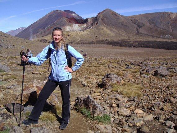 """Kelionių organizatoriaus """"GRŪDA"""" nuotr./""""GRŪDOS"""" keliautoja Tongariro traverse"""
