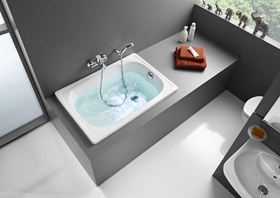 Gamintojo nuotr./Viena mažiausių vonių, kokią galima rasti: Roca Contesa, 100 x 70 cm