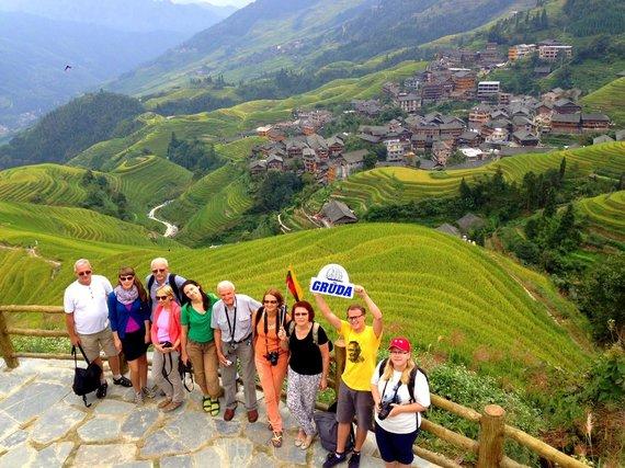 """Kelionių organizatoriaus """"GRŪDA"""" nuotr./""""GRŪDOS"""" keliautojai Drakono kupros ryžių laukų terasose, Longšengas, Kinija"""