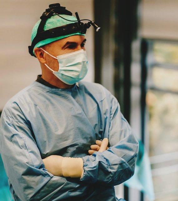 Organizatorių nuotr./Plastikos chirurgas Saulius Vikšraitis