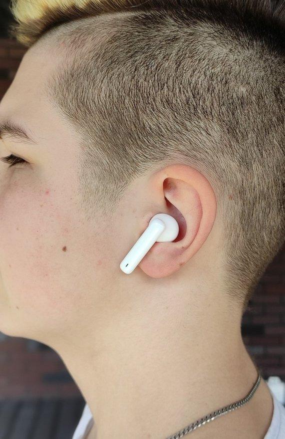 R.Kažimėko nuotr./Huawei FreeBuds 4i ausinės