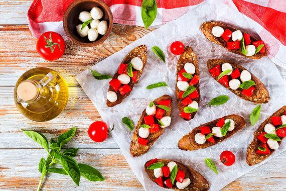 Partnerio nuotr./Gardūs vegetariški sumuštiniai su mocarela sūriu