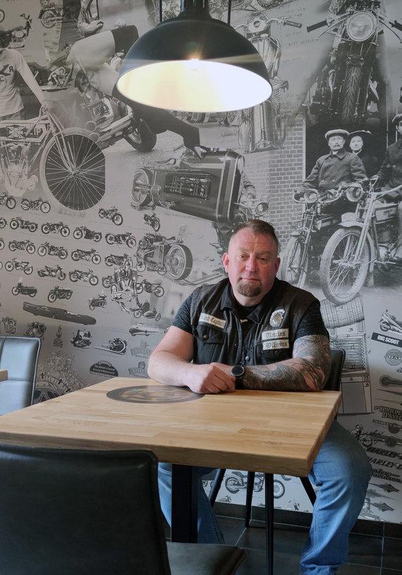 """Partnerio nuotr./Nuo motociklo į virtuvę: asmeninė baikerio sėkmės istorija ir neatrasti """"Lvovo Gastro Pub"""" skoniai"""