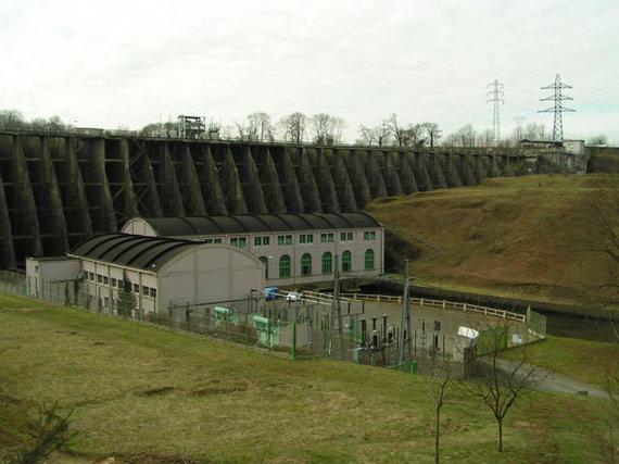 Christophe Jacquet / Wikimedia Commons nuotr. /Vezins užtvara Prancūzijoje netrukus bus nugriauta