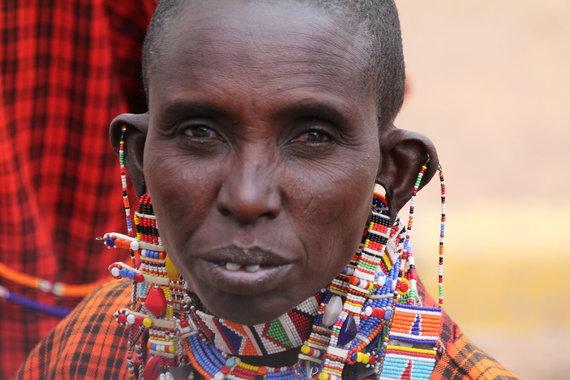 """Kelionių organizatoriaus """"GRŪDA"""" nuotr. /Masajų genties moteris"""