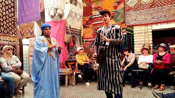 """Kelionių organizatoriaus """"GRŪDA"""" nuotr. /Kelionių organizatoriaus """"GRŪDA"""" kelionių vadovas Feso Medinoje, Maroke"""