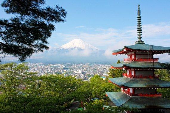 """Kelionių organizatoriaus """"GRŪDA"""" nuotr. /Chureito Pagoda ir Fuji kalnas"""