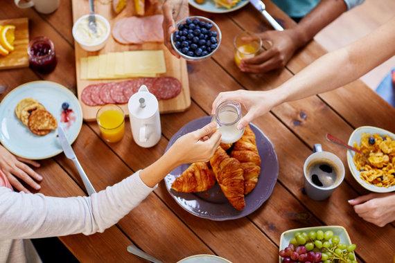 123RF.com nuotr./Šeimos pusryčiai