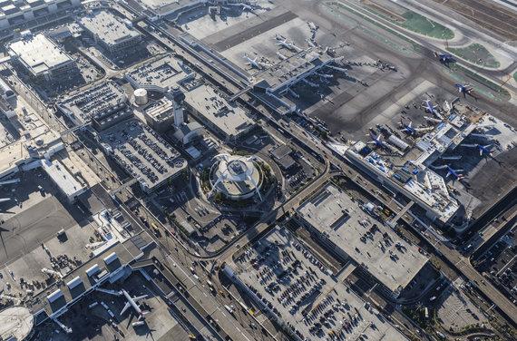 123RF.com nuotr./Los Andželo oro uosto LAX instaliacija
