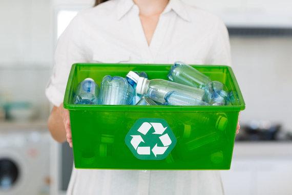 123RF.com nuotr./Plastiko ir stiklo buteliams rinkti geriausiai tinka talpesnės dėžės