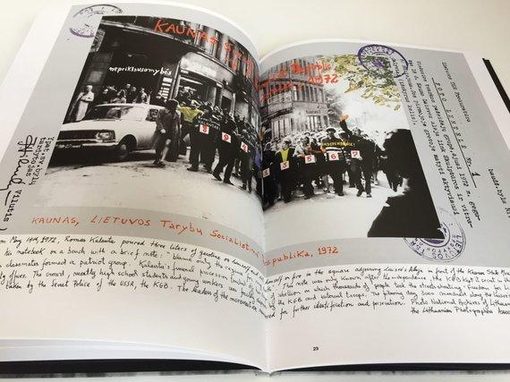 """Kauno fotografijos galerijos nuotr. /Marcelo Brodsky leidinio """"1968: The Fire of Ideas"""" ištrauka."""