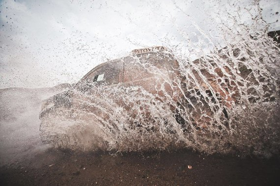 Edgaro Buiko nuotr./Benedikto Vanago ekipažas nepagailėjo fotografams vandens