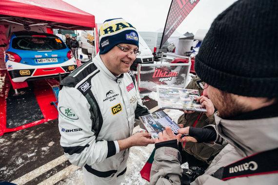 Aistės Kirsnytės nuotr./Lietuvių WRC komanda serviso zonoje