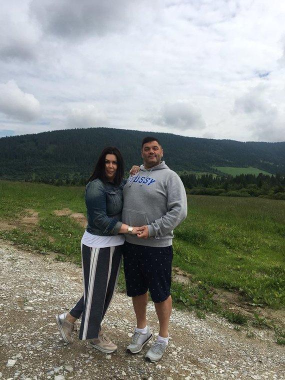 Asmeninio albumo nuotr. /Vitalijus Cololo su žmona Inga