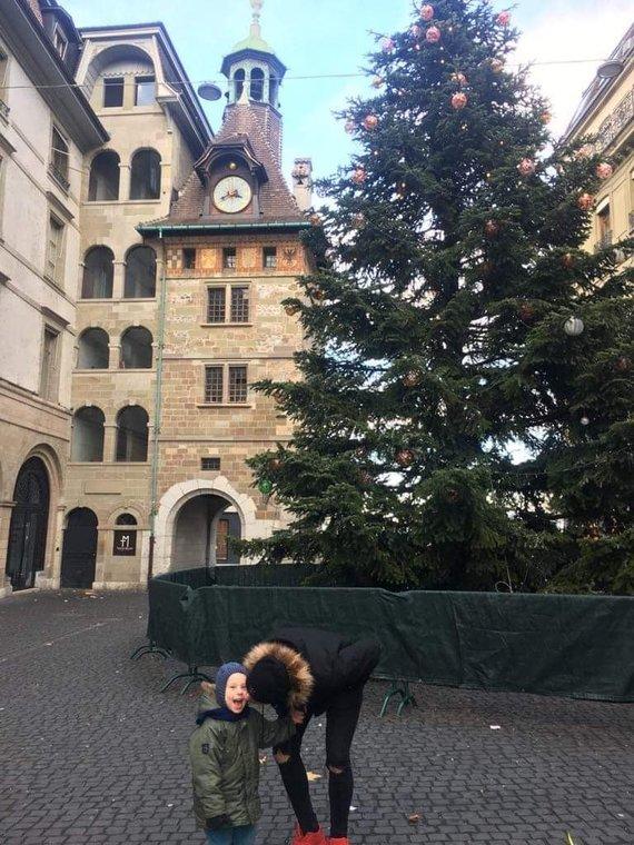 Asmeninio albumo nuotr. /Atlikėjo Soliario ir jo šeimos atostogos Paryžiuje
