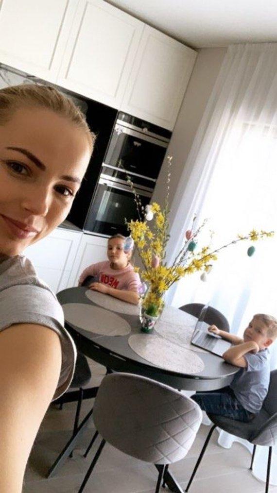 Asmeninio albumo nuotr. /Goda Alijeva Velykas pasitinka naujuose namuose