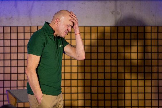 """Organizatorių nuotr. /Spektaklio """"Tėtis. Po 20 metų"""" akimirka"""
