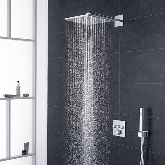 """""""Grohe"""" nuotr./Potinkinė dušo sistema """"Smart Control"""""""
