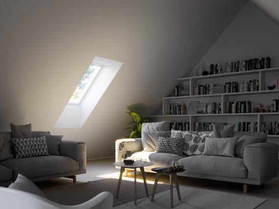 """""""Velux"""" nuotr./Svetainės apšvietimas su mažesniu langu"""