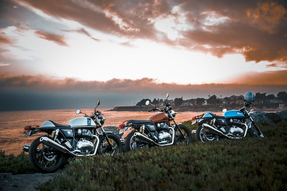 """Gamintojo nuotr./""""Royal Enfield"""" motociklai"""