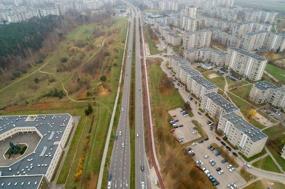 Vilniaus miesto savivaldybės nuotr./Naujas dviračių ir pėsčiųjų takas Justiniškėse