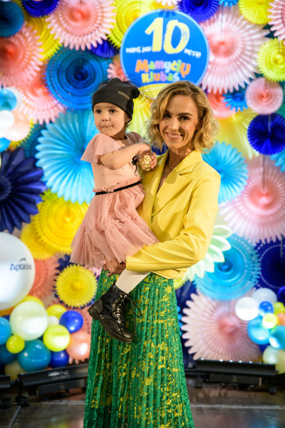 Darius Kučys Photography nuotr./Indrė Kavaliauskaitė-Morkūnienė su dukrele